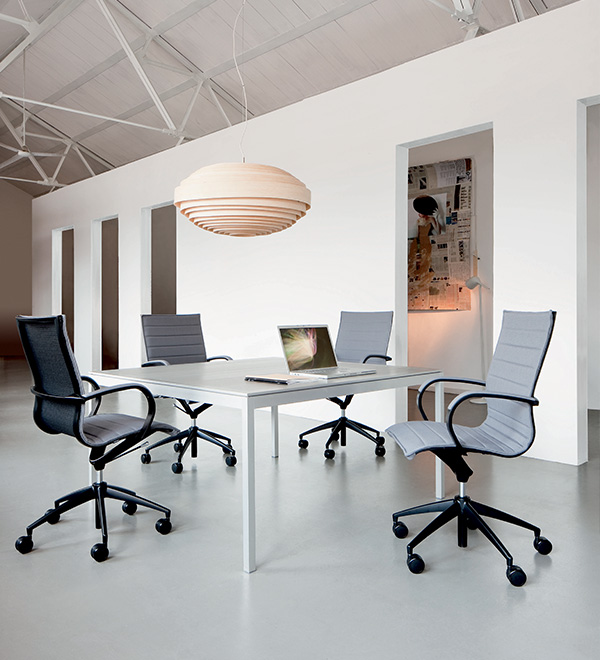 http://www.frezzauk.com/wp-content/uploads/2015/09/EM202_office_seating_600x660.jpg